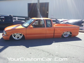 2011 drop em wear show, tangerine s10, pavement dragging s10, custom s-10