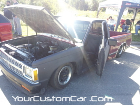 2011 drop em wear show, square body s10 with suicide doors