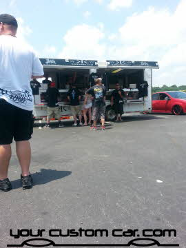 kik clothing, friends in low places car show